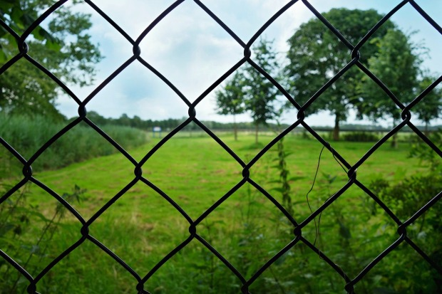 fence-1507152_1280
