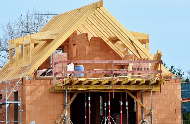 housebuilding-3370969_1280(3)