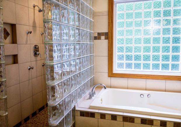 shower-670254_1280