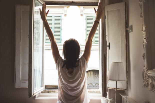 window-1148929_1280