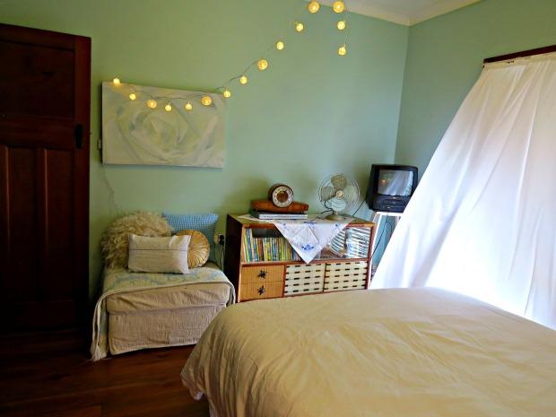 bedroom-658200_1280