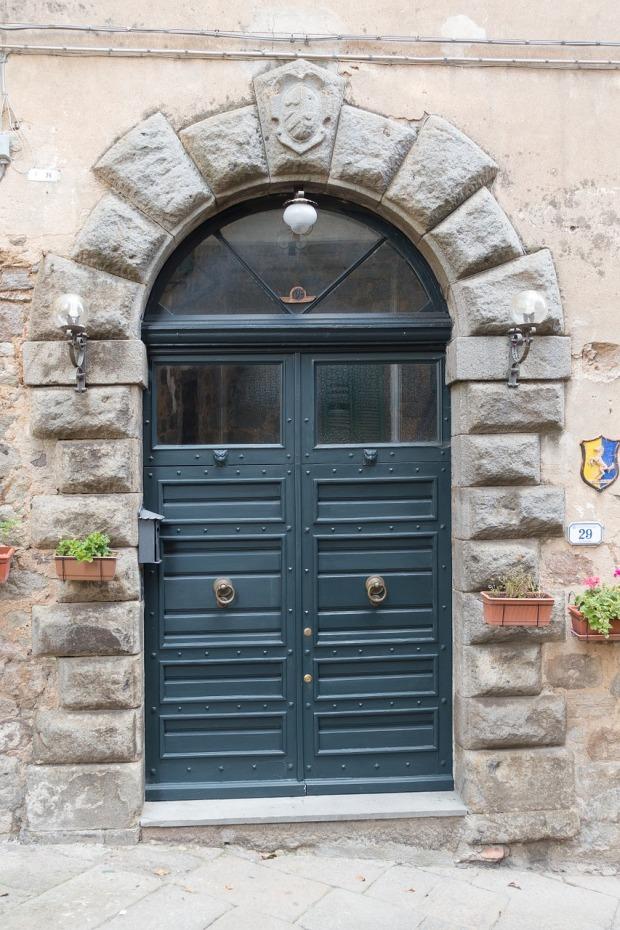 door-1001023_1280