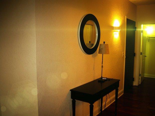 hallway-63542_1280